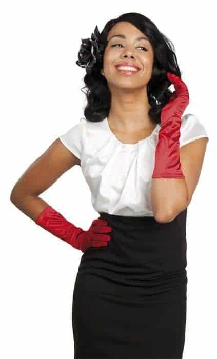 Paire de gants longs en satin rouge