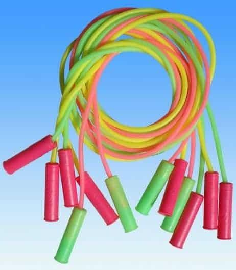 Cordes a sauter en plastique