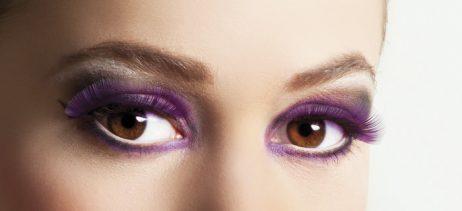 Faux cils violets