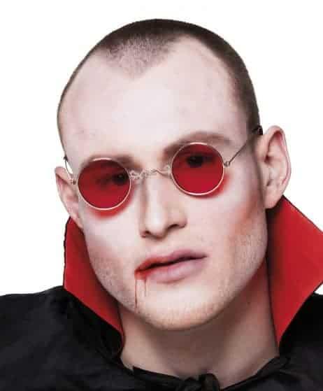Paire de lunettes vampire