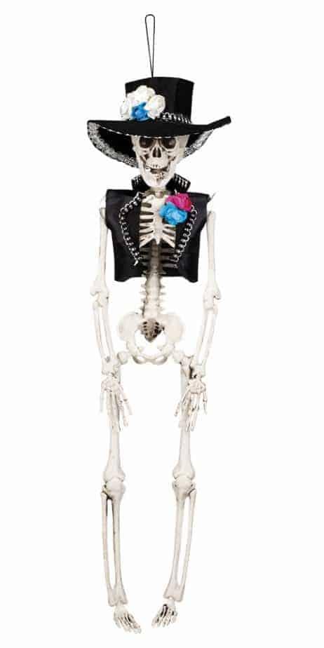 Homme squelette pendu
