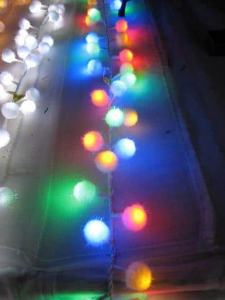 GUIRLANDE ELECTRIQUE (Multicolore - 96 LED) Guirlande Pompon 1.80 m