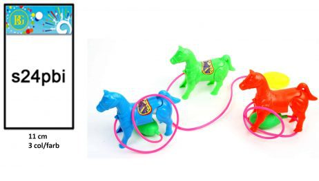 Petit cheval avec pompe