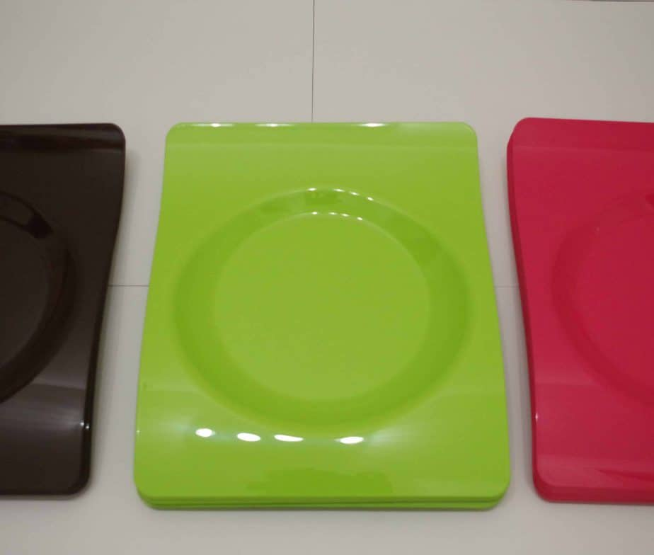 assiettes plastique dur (assortiment 12 assiettes) coloris assortis
